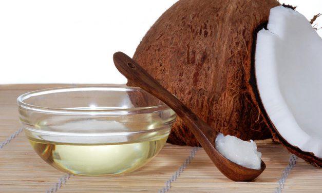 Les 10 principaux bienfaits pour la santé de l'huile de noix de coco fondés sur des données probantes
