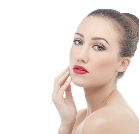 Les aliments à manger et à éviter pour une peau saine