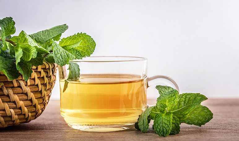 L'eau à la menthe poivrée pour la gastrite - Conseils santé à domicile