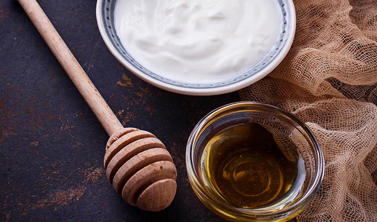 Miel et yogourt pour les amygdales enflammées - Conseils santé à domicile