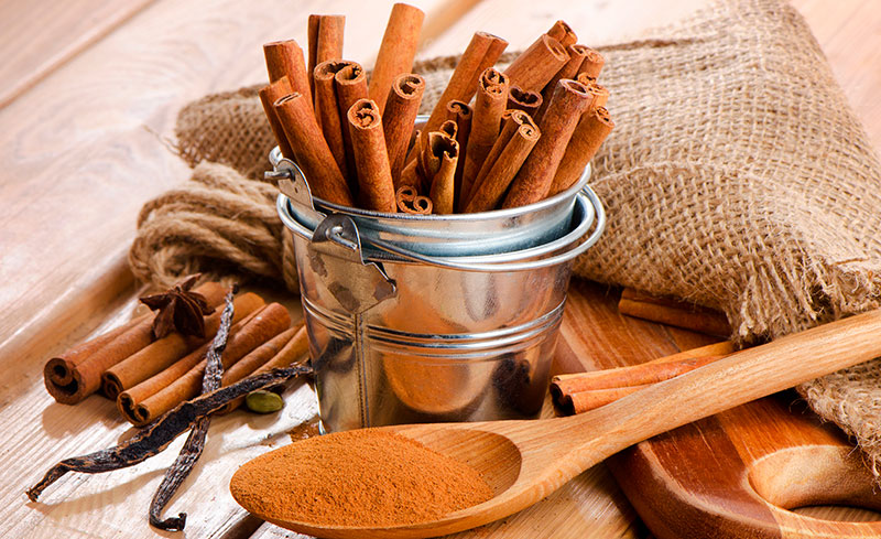 La cannelle est aussi utilisée pour divers traitements cosmétiques.